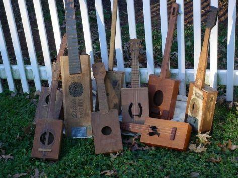 Cigar_box_guitar_collection